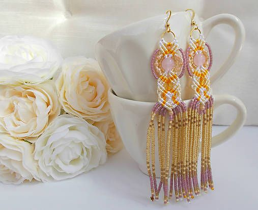 Dlhé korálkové makramé náušnice žlto-bielo-ružové/ long macrame earrings, gold, yellow, white, pink, beaded, wedding, chic
