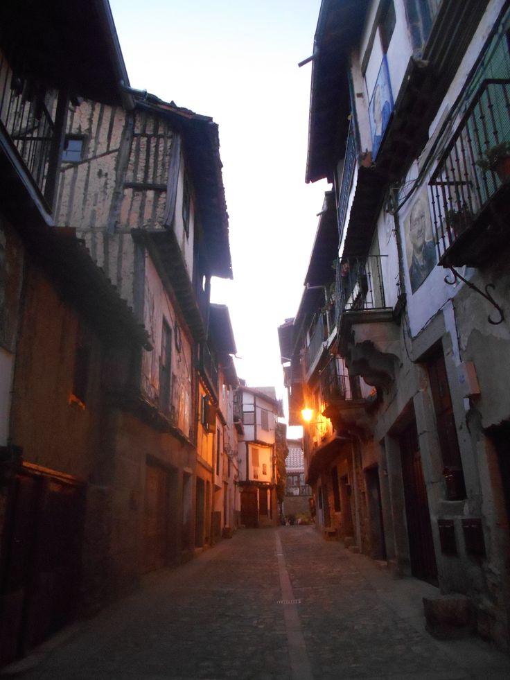 Calle de Juan Antonio Melón al atardecer.