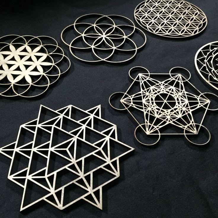Yin Yang Flower of Life Ornament - Sacred Geometry - Laser