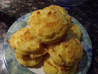 LCHF Garlic cheddar biscuits
