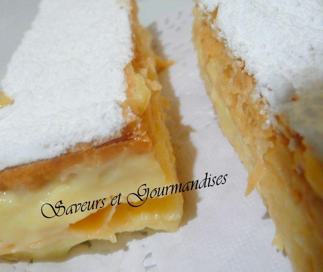 Après le mille-feuilles cacao-pistache, je me suis lancée dans le mille-feuille traditionnel à la crème pâtissière goût vanille.   Les ...