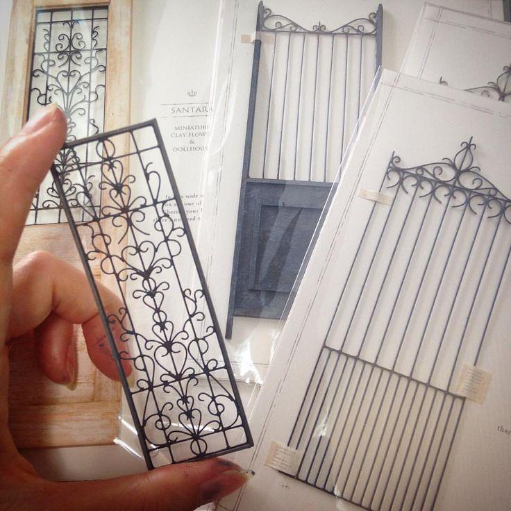 """192 gilla-markeringar, 1 kommentarer - sanaetaira (@miniature_clay_flower) på Instagram: """"フェンスとかドアとか色々。"""""""