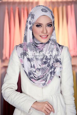 Hijab - Thara Florence flowers RM 43 www.sugarscarf.com