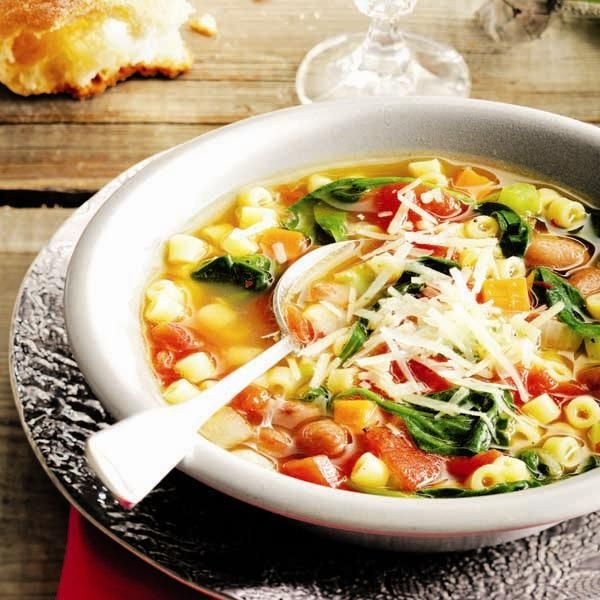 A hearty, low-calorie soup, this Easy minestrone recipe is a healthy dinner choice. Find more homemade soup recipes at Chatelaine.com!
