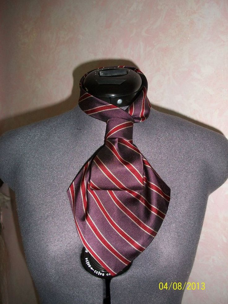 Repourposed men's tie for pretty colonial looking scarf.