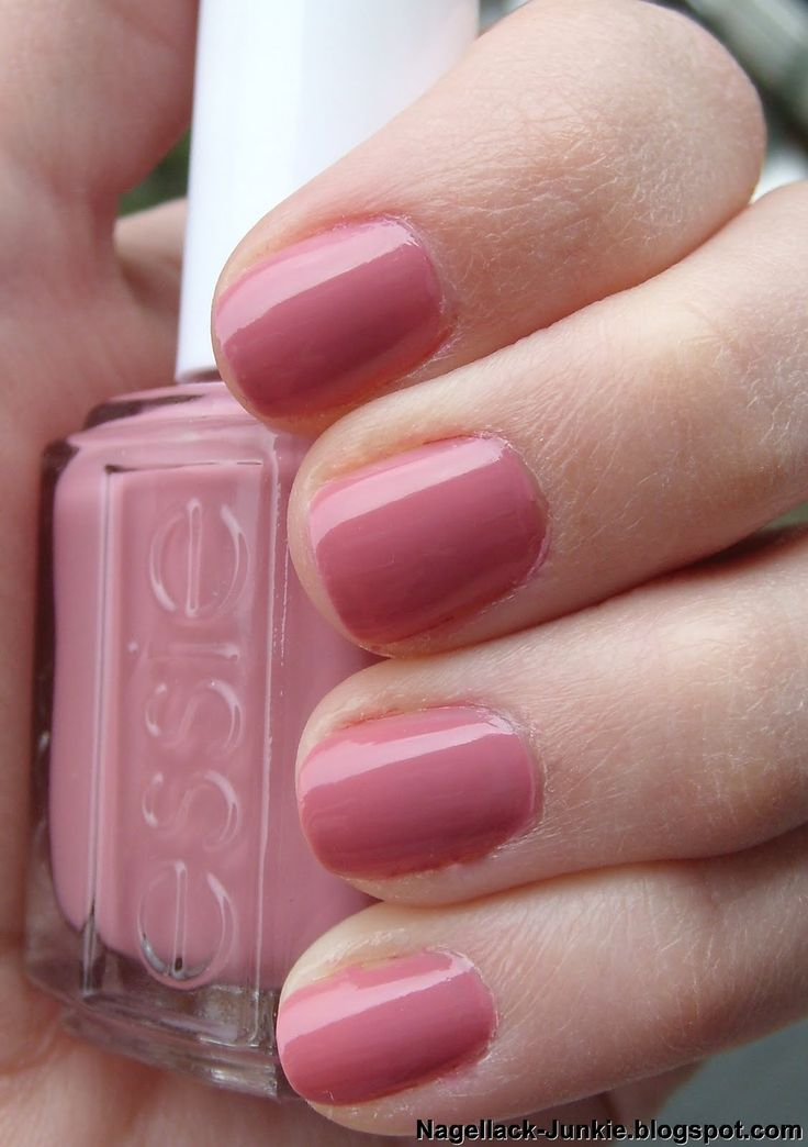 (color: fun in the gondola) perfect perfect pinky rose color!! I've gotten so many compliments.. beautiful on any skin color.