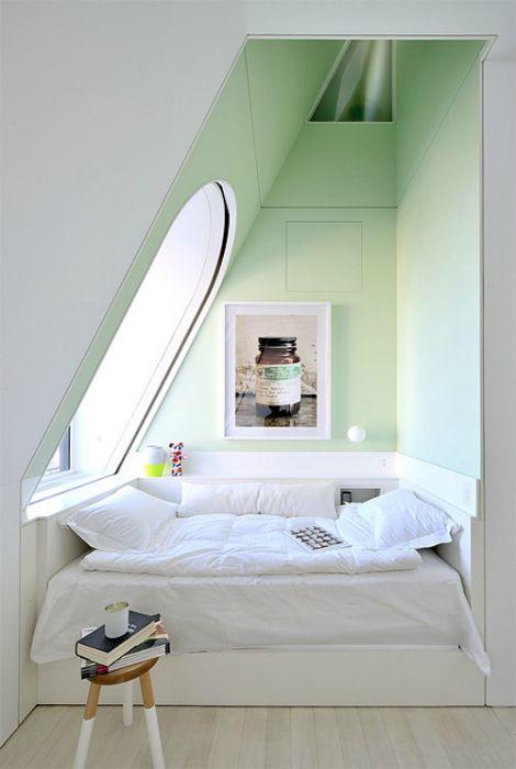 Спальное место в мансарде.
