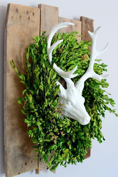 The Frugal Homemaker |  DIY Farmhouse Painted Deer Head #decoartprojects