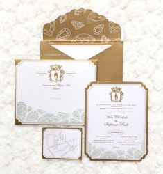 Feels like a royal with this gold and white wedding invitation idea | Project by Fornia Design Invitation http://www.bridestory.com/fornia-design-invitation/projects/chinlink-stephanie