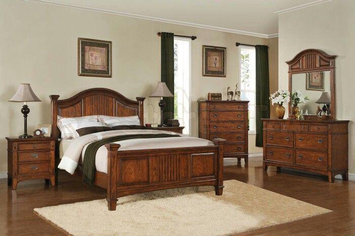 A very elegant bedroom design with teak wood flavour.