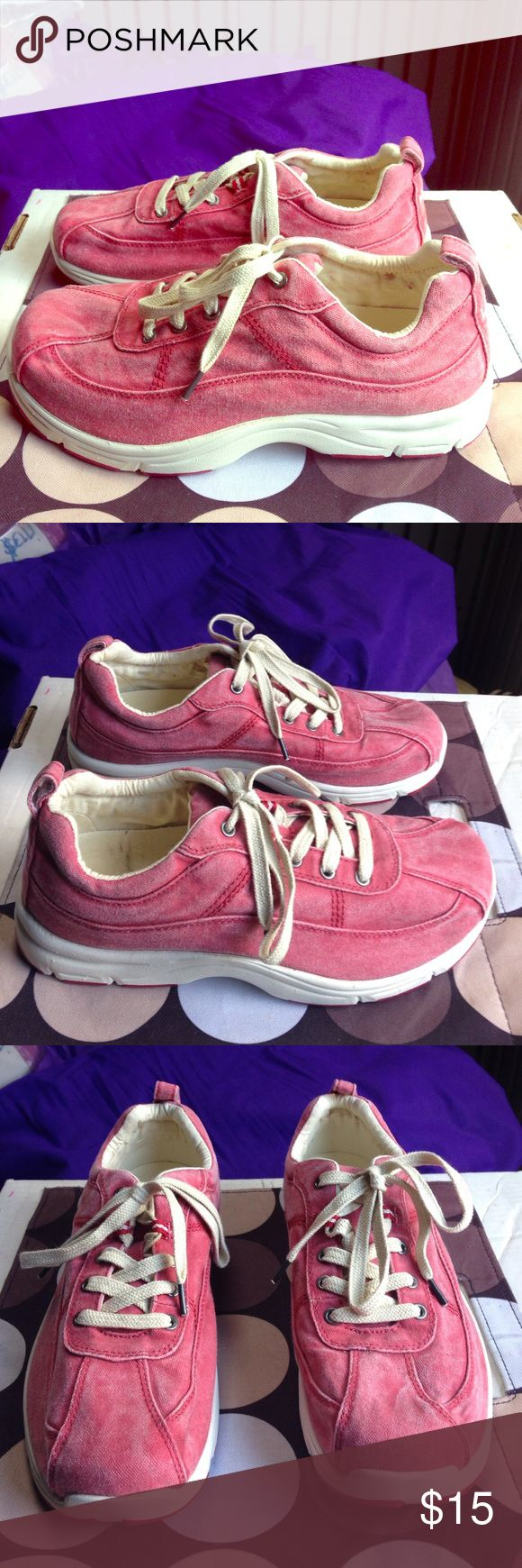 LL BEAN Sunwashed Canvas Sneakers EUC 9 Wide LL BEAN Sunwashed Canvas Sneakers EUC 9 Wide L.L. Bean Shoes Sneakers