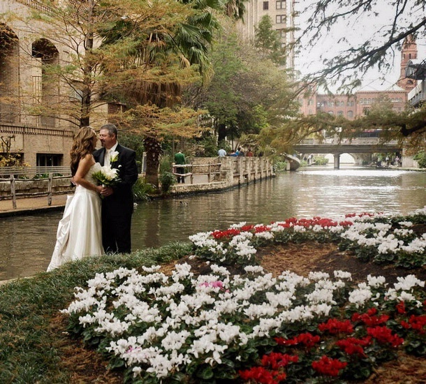 Outdoor Wedding Spots Near Me: San Antonio Wedding Venue Photos