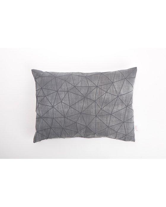 Irad pillow cover - special print on cotton. Measurements: appr. 55 x 40 cm. Composition: cotton/linen.Care Instructions:Machine washmax 30ºc, gentle cycle, do not bleach, do not tumble dry, do...