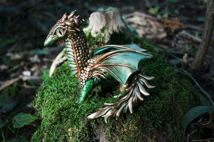 Még csak 26 éves, de ő az ország egyik legmenőbb ékszerkészítője http://www.nlcafe.hu/otthon/20150308/sarkany-fantasy-ekszer-meska-gloriosa/