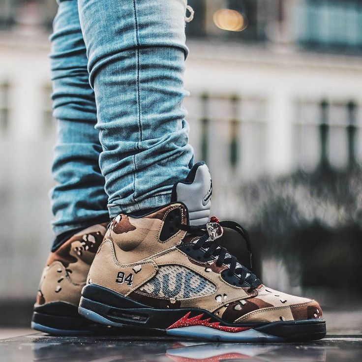 Limited edition collab between #AirJordan & #Supreme...the 5's are back! In camo.