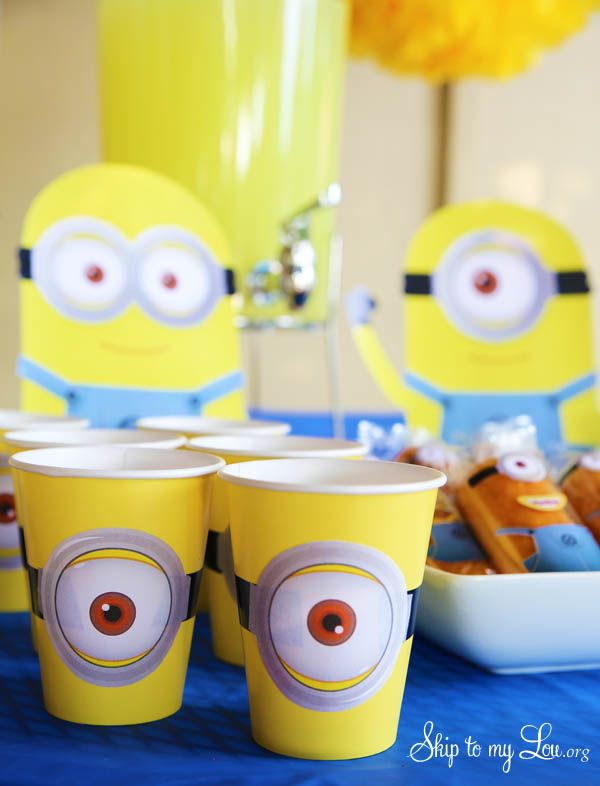 Free printable minion party cup sleeve #print #minion skiptomylou.org