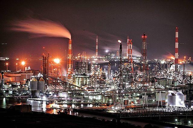 こんばんわ 『不夜城水島②✨✨』 * えっと。。不夜城ポストどこまで続くかわかりませんが、、、わかりません * やっぱ、カッチョいい~✨✨ * Location : Okayama Japan * #水島コンビナート #工場夜景 #tv_landscapes #tv_fullframe #transfer_visions #tv_depthoffield #cools_japan #picture_to_keep #image_gram #夜景ら部 #everything_imaginable #ptk_night #tv_illuminate #キタムラ写真投稿 #rsa_light #ig_photostars #loves_night #loves_landscape  #loves_united_asia #japan_of_insta  #bestphoto_japan #ig_photosentez #discoverphotolife_ig #jal東京カメラ部2017japan
