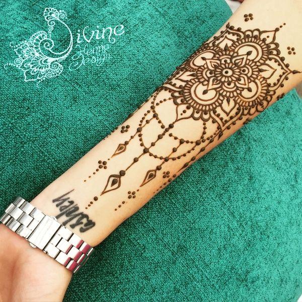 Dripping mandala henna design.                                                                                                                                                     More