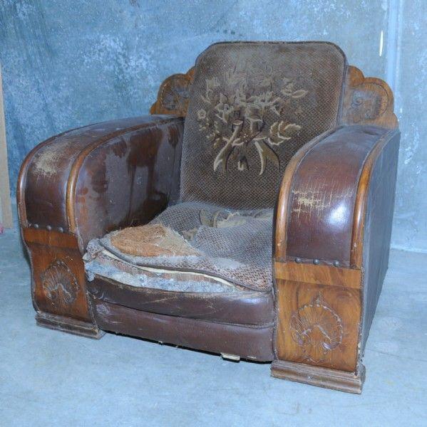 Art Deco club lounge
