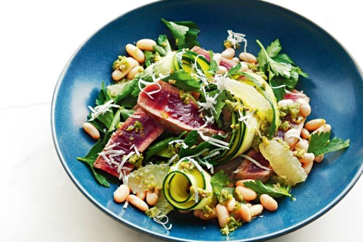 Seared tuna, zucchini and lemon salad with green olive smash
