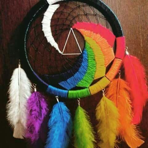 Dark Side of the Moon Dreamcatcher...wow that is awesome. :)