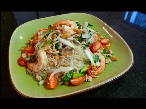 ▶ Glass Noodle Salad (Yum Woon Sen) ยำวุ้นเส้น - Hot Thai Kitchen! - YouTube