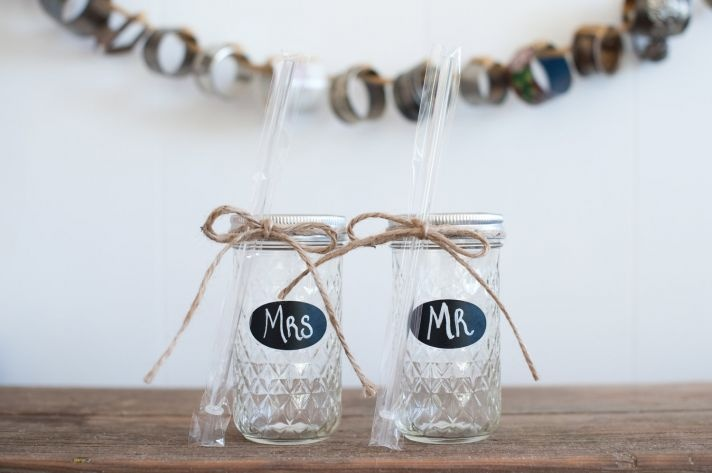 creative wedding ideas from Etsy Mr and Mrs decor mason jar tumblers