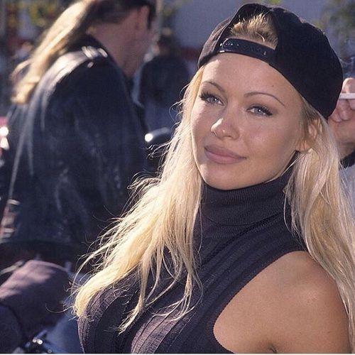 Prime Pamela Anderson's 90s Makeup ❤️