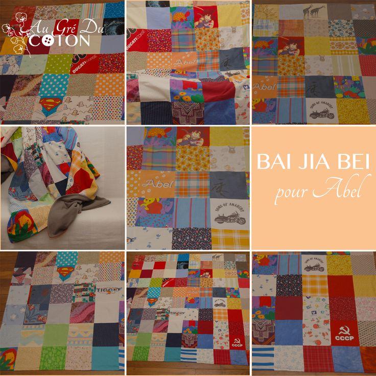 BAI JIA BEI Assemblé en avril 2014 Dimensions : 200 cm x 200 cm  Dessous du BJB : polaire, couleur gris souris Evènement : Anniversaire d'adoption