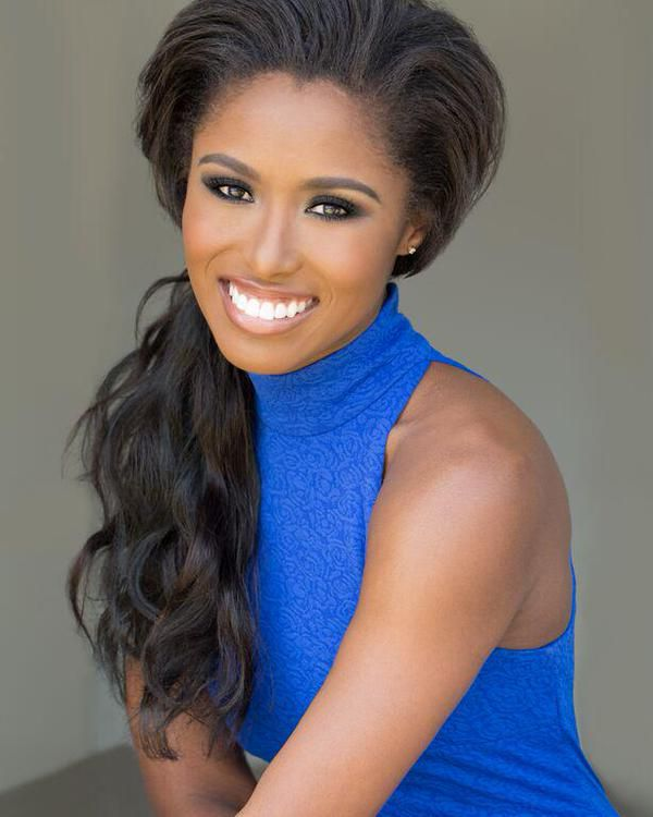 South Carolina sent nothing but the best to this years Miss America pageant. Daja Dial, your Miss South Carolina America 2015, was a vision throughout the entire pageant week. She was the perfect combination of classy and regal with just the right touch of sexy. From her head shots to her stage game, Daja's hair and makeup styling were on point.