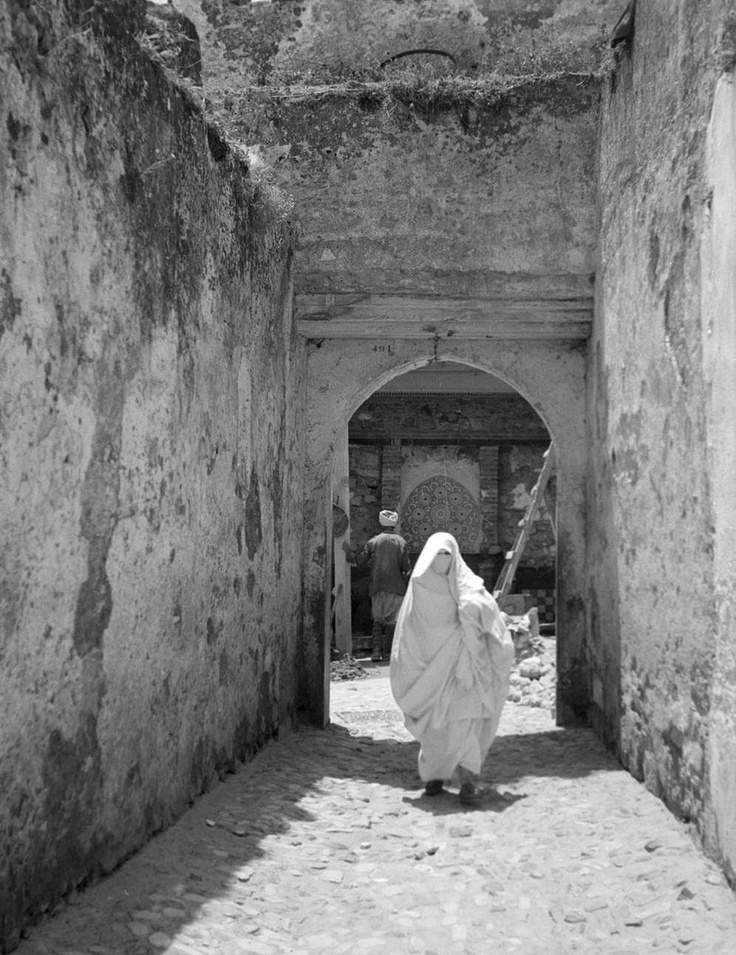 tangier muslim The culture, religion and customs of morocco around tangier the traditional muslims would not expect a woman to be travelling alone and certainly not to be.