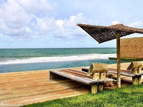 Praia do Gunga/AL: Hotel Gungaporanga Hipnotizante. Esse é o melhor adjetivo para qualificar a piscina (e a vista) do Hotel Gungaporanga, localizado na Barra de São Miguel, Alagoas. Afinal, a piscina no alto de uma falésia parece se unir ao mar…