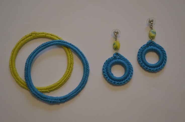 oude armband gehaakt +oorbellen