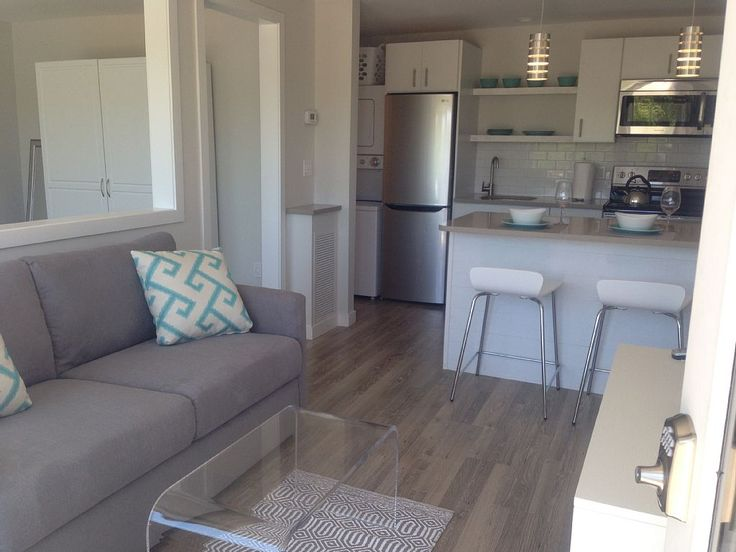Recently renovated, this unit we call Navy Beach provides a relaxing retreat on Lake Montauk. Navy Beach comes equipped with a full kitchen, washer/dryer, linens, towels, large screen TVs, air conditioning throughout ...
