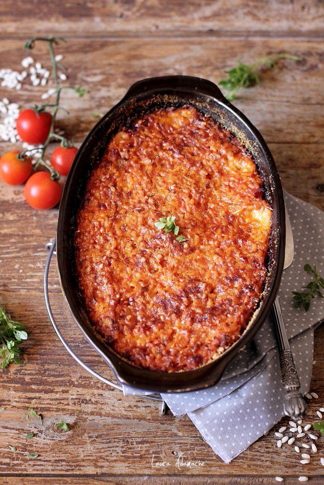 Orez gratinat cu mozzarella, o reteta simpla si delicioasa cu orez pentru masa de pranz sau cina. Retata cu orez la cuptor.