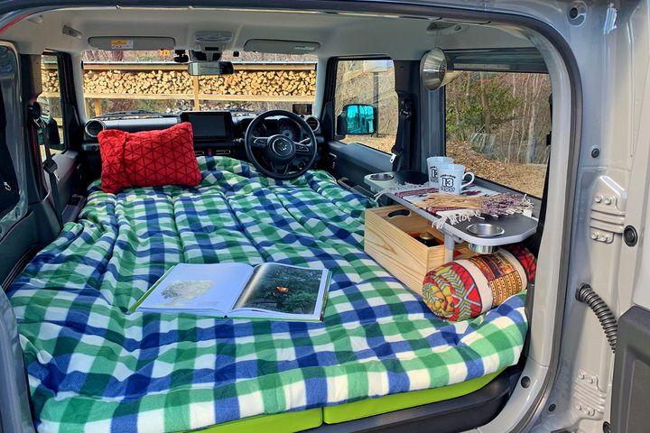 新型ジムニーで 車中泊 車内にセミダブルベッドを出現させる 101 Tentcar コンフォートフルフラットベッドキット 発売 えん乗り ジムニー スズキ ジムニー ジムニーシエラ