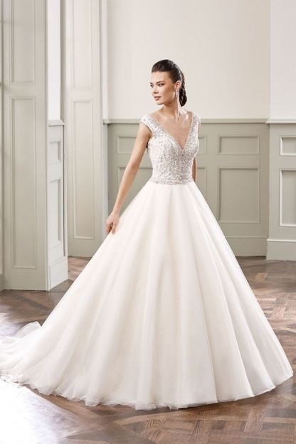 1000  images about Wedding Dresses on Pinterest - Fitted bodice ...