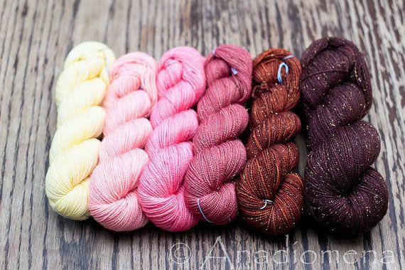 Girly Fun Sock - Warmth Gradient- Colour Adventures (fibers: superwash merino, nylon, stellina)