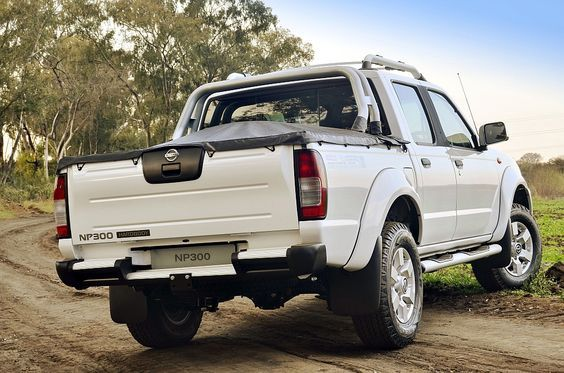 If you are planning on moving house and home this coming summer, book your bakkie and van rental ASAP from us and get the lowest bakkie hire rates in South Africa☀️🚘 Book Early from Comet Car Rental! 💻http://www.cometcar.co.za/…/44-group-h-nissan-np300-petrol-… 📞 CT: 021 386 2411 | PE: 041 581 4904 📧 info@cometcar.co.za #vanrental #bakkiehire #portelizabeth #capetown #cashcarhire #longtermcarhire #longtermcarrental #bakkierental #vanhire