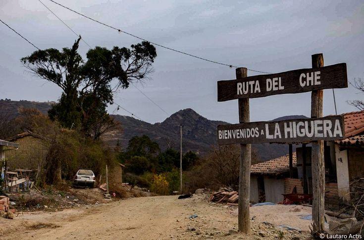 Argentino Lautaro Actis foi à pequena cidade do interior boliviano e registrou cenas do cotidiano do local que entrou para definitivamente para a história em 1967