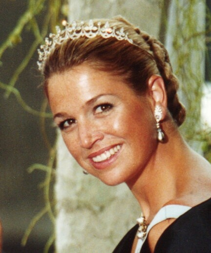 Queen #Maxima of the Netherlands wearing the bear mini #FleurDeLis #Tiara without top gems. Dutch #RoyalTiara