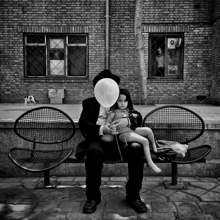 https://www.lensculture.com/2016-lensculture-street-photography-award-winners?modal=masoud-gharaei-the-winner-of-street-photography-awards-2016