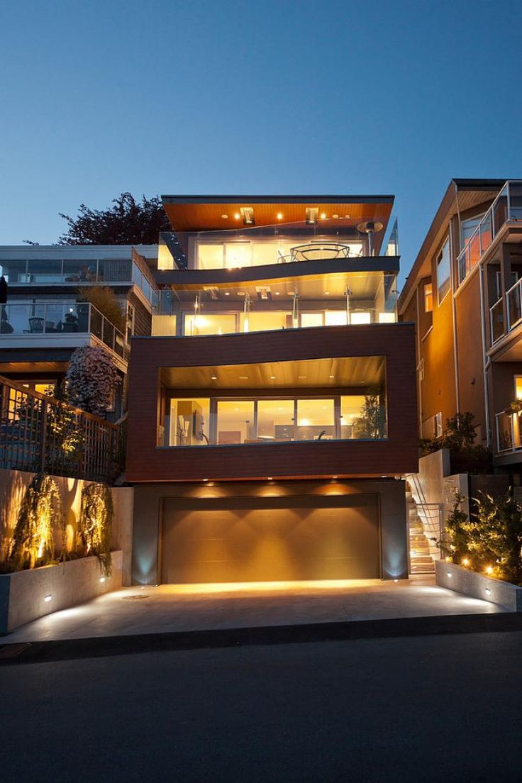 Modern House in Vancouver by Kliewer Bros. Construction