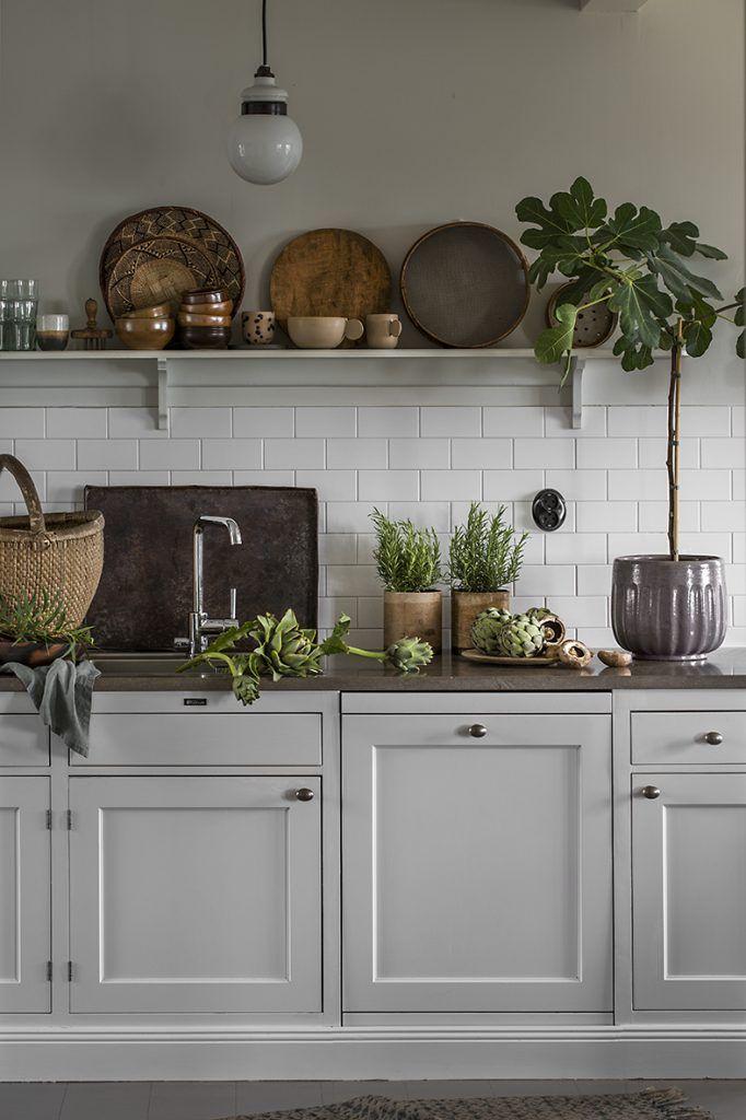 Här kommer några av mina favoritbilder från mitt och Maris jobb för Lantliv och Anna Kilians fina kök! Senaste Lantlivs-numret har varit ute ett tag nu, så passa på innan… Read More →