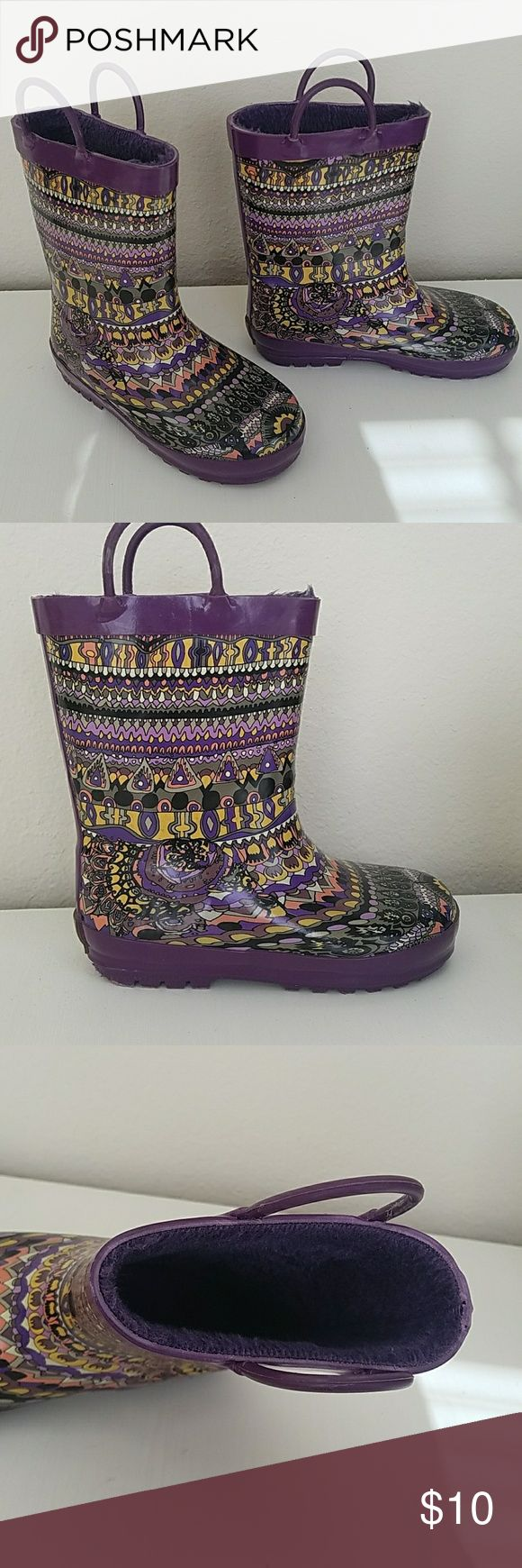 Sakroors girls artistic circle rainbow size 13 Unique and colorful, artist printed rubber rainboots are ideal for splashing around the rain, snow, hail or whatever else mother nature throws at you! Rubber outsole Slip on entry Sakroots Shoes Rain & Snow Boots
