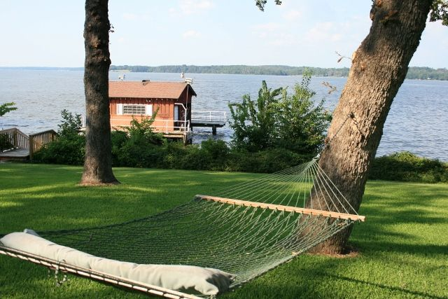13 best vacation rentals images on pinterest beach for Lake texoma cabins with hot tub