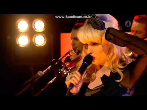 13 / Amanda Jenssen / Ghost / Live at Nyhetsmorgon