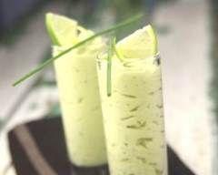 Mousse d'avocat au saumon et citron : http://www.cuisineaz.com/recettes/mousse-d-avocat-au-saumon-et-citron-74950.aspx
