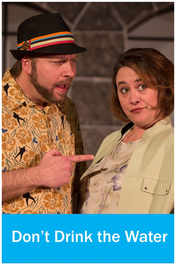 Shelly and Matthew Proschold as Marion and Walter Hollander in Don't Drink the Water at Raven Theater.