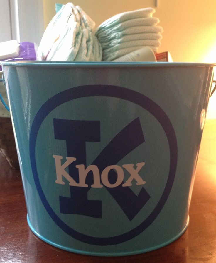 Personalized Easter pail. Vinyl cut with Silhouette Cameo.